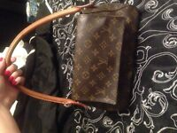BEAUTIFUL CONDITION AUTH LOUIS VUITTON LOOP