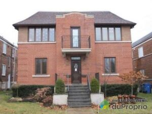 7.5 Newly Renovated Upper CONDO Duplex in Town of Mount Royal