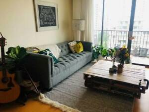 Bright 1 BEDROOM w/ MOUNTAIN VIEWS and EASY SKYTRAIN Access