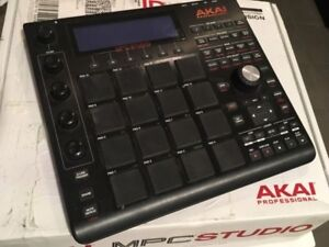 Akai Studio Black MPC