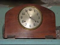 Horloge antique de table