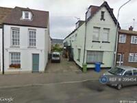 2 bedroom flat in High Street, Kent, ME11 (2 bed)