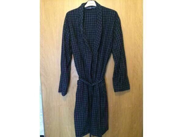 C Debenhams Mens Dressing Gown Ml In Coventry West Midlands