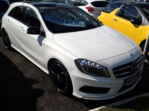 Mercedes-Benz A-ClassA180 CDI BlueEFFICIENCY AMG Sport (HALF LEATHER+GLASS ROOF)