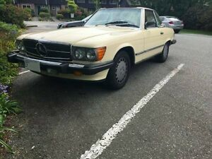 Mercedes Benz SL560... 1988.. mint convertible classic car