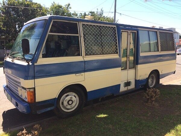 1984 Mazda T3000 Motorhome Camper Bus With Annexe
