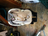 Carseat/stroller with base