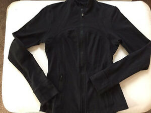Special edition lululemon define jacket size 6 London Ontario image 1