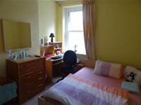 ALL BILLS INCLUDED, £385.00 pcm! DOUBLE ROOM in tidy, professional 4 bed house ROATH. Available NOW