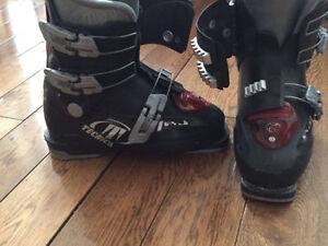 Boys ski boots