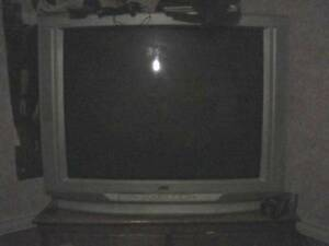 32 inch  tv.flat screen picture good condition