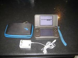 black nintendo dsi xl