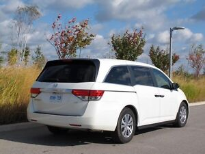 Cheap Comfy Ride • *Taxi * Cab * Airport Limo   Stratford Kitchener Area image 1