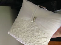 Ring Bearer Pillow - Wedding, White PERFECT CONDITION