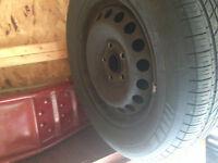 4 pneus d'ete michelin195/65/15 avec rims pour vw jetta 2006