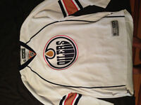 Edmonton Oilers Jersey (No name or Number)