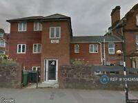 2 bedroom flat in Queens Crescent, Exeter, EX4 (2 bed) (#1042459)