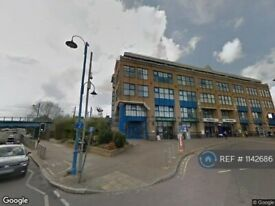 1 bedroom flat in Darkes Lane, Potters Bar, EN6 (1 bed) (#1142686)