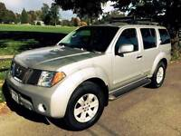 2005 Nissan Pathfinder LE SUV - All Equipped!!!!