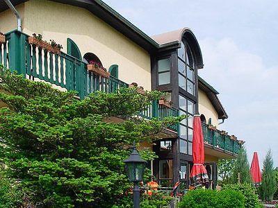 3 romantische Tage Urlaub für 2 P. inkl Weinprobe Hotel Falkenhof Naumburg Saale Tisch Für 2