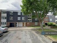 3 bedroom flat in Battersea, London, SW11 (3 bed) (#1189470)