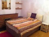 STUNNING TRIPLE ROOM IN A BEAUTIFUL HOUSEHOLD FOR (TEMPORARY LET) RENT