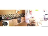 TWIN ROOM, COUPLES OR FRIENDS, CLAPHAM AREA