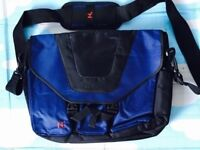 Quality laptop bag with multiple different accessories pockets, quick sale at only £20, costs £59.95