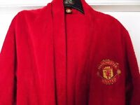 DRESSING GOWN, MANCHESTER UNITED (ADULT SIZE S )