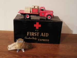 1920s CP Express Hat Badge & Tin Box & Diecast 1951 Ford REDUCED