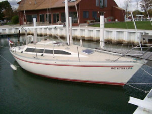 30 foot sailboat with a diesel racer cruiser