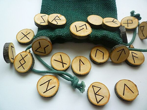 Elder Futhark Rune set, wood wiccan pagan witch