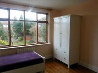 LARGE DOUBLE ROOM - BILLS INCLUDED, NO CONTRACT. ** SHORT TERM AVAILABLE ** .