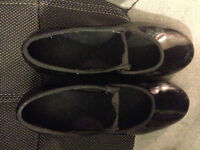 Girls tap shoes size 4