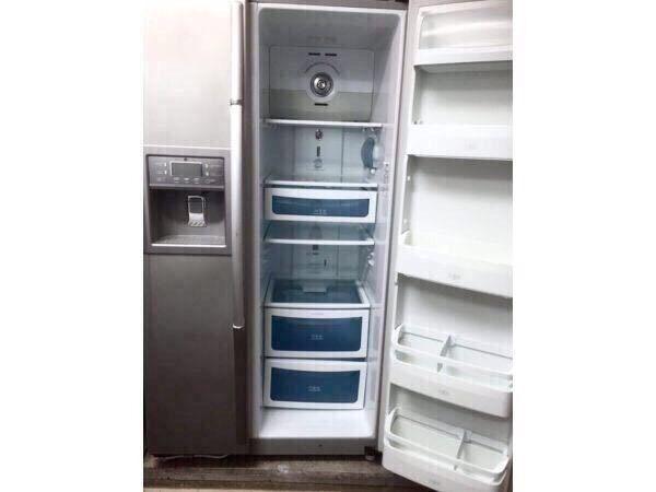 DAEWOO SILVER AMERICAN SIDE BY SIDE ICE DISPENSER REFRIGERATOR INCLUDES 6 MONTHS GUARANTEEin Seven Sisters, LondonGumtree - Daewoo Model FRS2031IAL SILVER AMERICAN STYLE REFRIGERATOR (SIDE BY SIDE) Chilled Water/ Ice Cube Dispenser Refrigerator 339 Litres & Freezer 174 Litres H180.8cm W92.8cm D79.5cm INCLUDES 6 MONTHS GUARANTEE Buy with confidence !All Viewings...