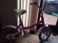 Girls raleigh pink Molly bike