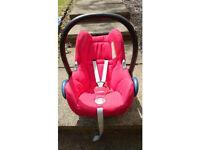 Quinny Buzz pushchair, folding carrycot, MaxiCosi Cabriofix Car Set & 2 EasyFix Bases
