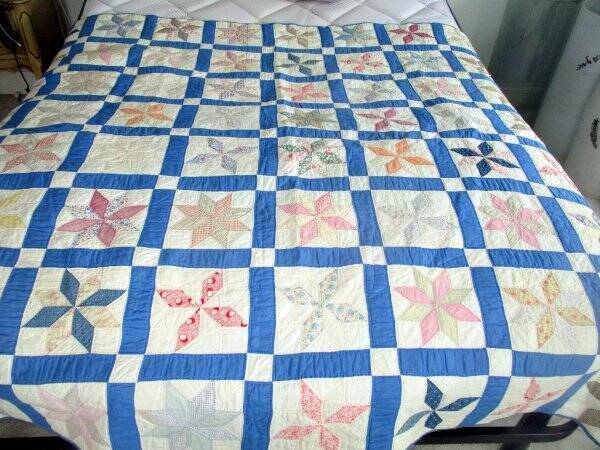 ANTIQUE HAND STITCHED STAR BLOCK QUILT FEED SACKS & OLD FABRICS