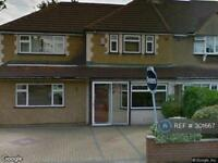 5 bedroom house in St. Johns Road, Feltham, TW13 (5 bed)