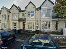 1 bedroom in Connaught Avenue, Plymouth, PL4 (#310548)