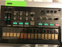 Korg Volca FM synthesiser sequencer boxed