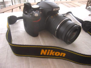 Nikon D3200 24.2 MP. Mint condition