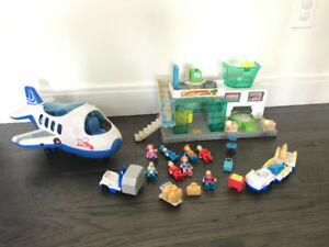 Jet Plane and Terminal Playset
