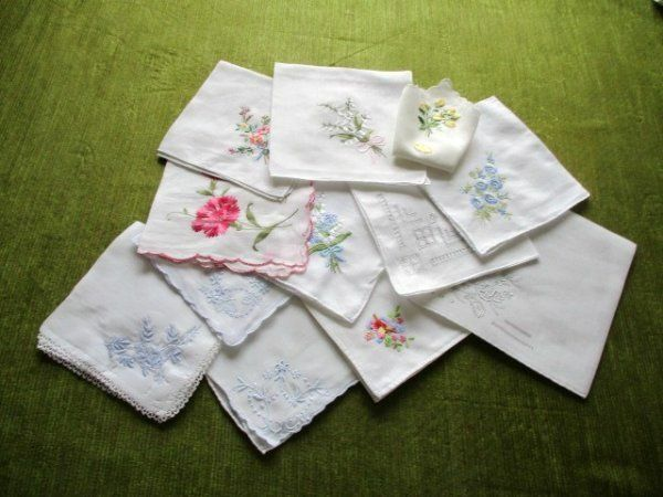 VINTAGE LADIES HANDKERCHIEFS-EMBROIDERY DECORATION-COLL. OF 12