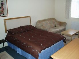 LARGE ROOM LOCATED IN A NICE AREA FOR ONE PERSON /ALL BILL INCLUDED IN RENT