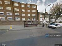 3 bedroom flat in Tufnell Park Road, London, N19 (3 bed)