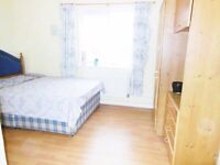 A modern double room available for rent bear Stratford station