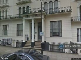 1 bedroom flat in Kensington Gardens Square, London, W2 (1 bed) (#1169738)
