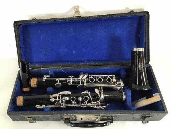 Vintage Clarinet Bb Bundy resonite selmer /Mouthpiece/Cap-Hard Case