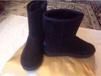 Brand new Ladies UGG boots size: 7/40 black colour £25
